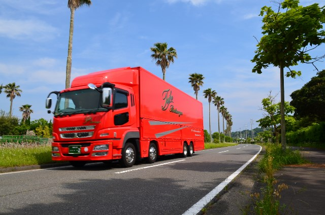赤いトラック№2